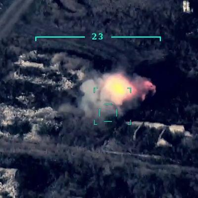 Azerbaidžanin lennokki-iskut tuhoavat armenialaispanssareita