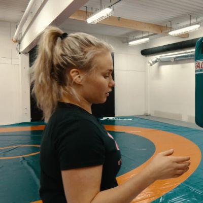 Jatkoerä: Kaisa Mäkäräinen ja Petra Olli testasivat toistensa lajeja