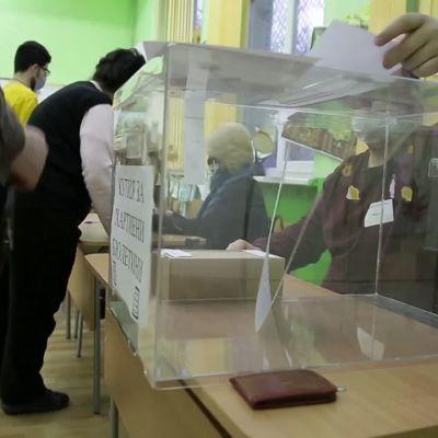 Bulgarialaiset äänestävät parlamenttivaaleissa, saako pääministeri Boyko Borisov jatkokauden?