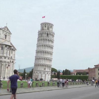 Pisan kalteva torni avattiin jälleen yleisölle