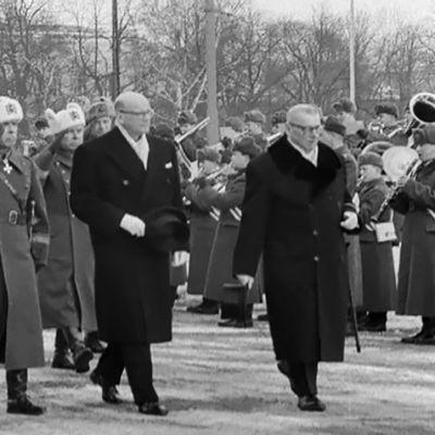 Urho Kekkonen presidentinvala eduskunnassa.
