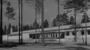 Valmistunut Helsingin Mannerheimintien Yhteiskoulun rakennus