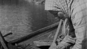 Mummo veneessä