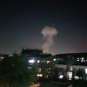 Rök från bilbomb i Kabul utanför försvarsministerns bostad