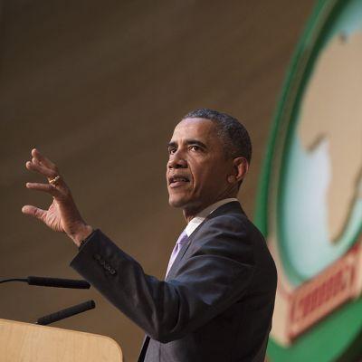 Barack Obama pitää puhetta Afrikan unionin huippukokouksessa Addis Abebassa.