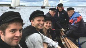 Thomas Dahl, Petter Björkman, Emma Dahl, Dan-Erik Rönn, Yngve Dahl och Martin Håkans i båten Björkö 1.