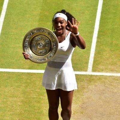 Serena Williams voitti Wimbledonin