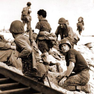 Yhdysvaltalaisia sotilaita Normandian rannalla.