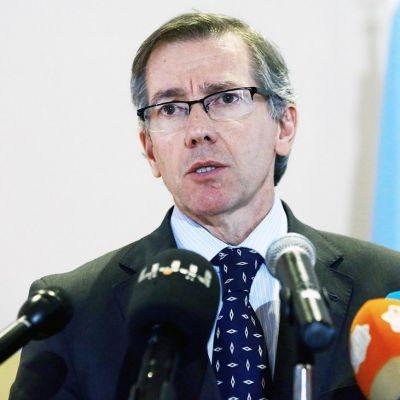 YK:n edustaja Bernardino Leon.