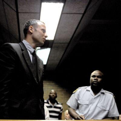 Oscar Pistorius oikeussalissa