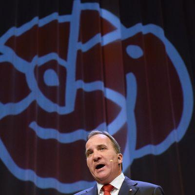 Sosiaalidemokraattien puheenjohtaja Stefan Löfven puhui tukijoilleen vaalijuhlissa sunnuntaina 14. syyskuuta.