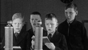 Pojat laulavat