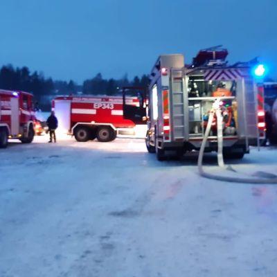 Uhkaava tulipalon alku maatilalla Ähtärin Alastaipaleella 12.1.2012