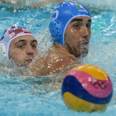 Vesipallon olympiafinaali kuvassa