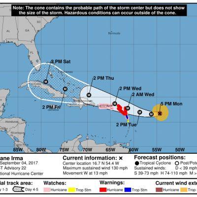 Orkanen Irma väntas nå öar i östra Karibiska havet senare under tisdagen, lokal tid
