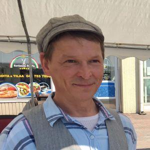 Pasi Paananen fick utmärkelsen på Skärgårdens Miljömässa i Pargas.