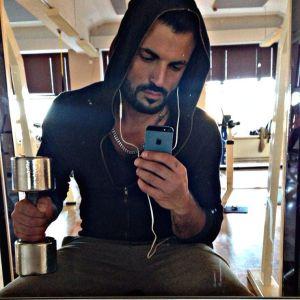 Nabaz Baki gillar att träna.