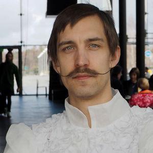 Basso Visa Kohva opiskeleen ensimmäistä vuottaan Sibelius-Akatemian oopperaluokalla.