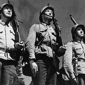 Kuva Tuntematon sotilas -elokuvasta.