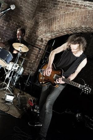 Täynnä elämää - balladi Jyri Honkavaarasta. Rooleissa Tomi Alatalo ja Antti Laukkarinen.