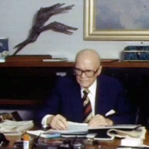 Urho Kekkonen som skriver