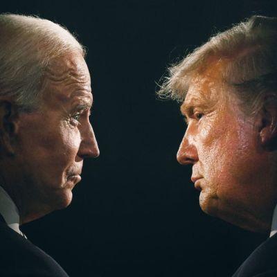 Joe Biden och Donald Trump tittar på varandra