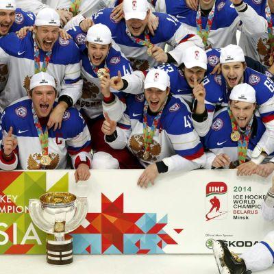 Venäjä juhlii MM-kultaa keväällä 2014.