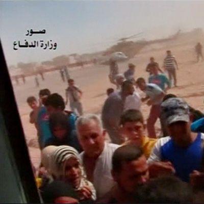 Irakin armeijan helikopterit ovat toimittaneet kaupunkiin ammuksia ja avustustarvikkeita.