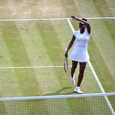 Venus Williams juhlii voittoa.