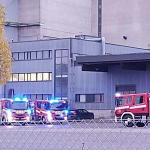 Paloautoja Seinäjoen Hankkijan pihalla.