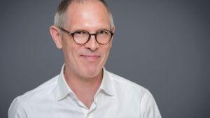 Porträtt av filmvetaren Jan Holmberg, vd för Stiftelsen Ingmar Bergman.