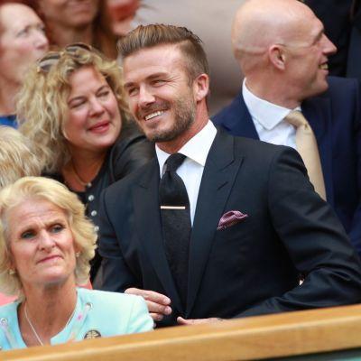 David Beckham Wimbledonin tennisturnauksen katsomossa.