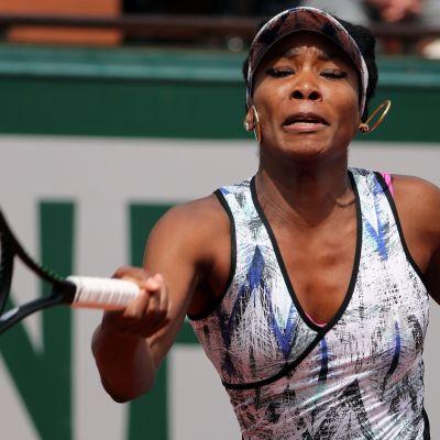 Tennistähti Venus Williams pelaa Ranskan avoimissa kesäkuussa 2017.