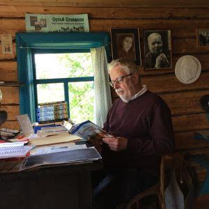 Heikki Laitinen lukee Ortjo Stepanovin teosta