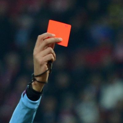 Punainen kortti jalkapallo.