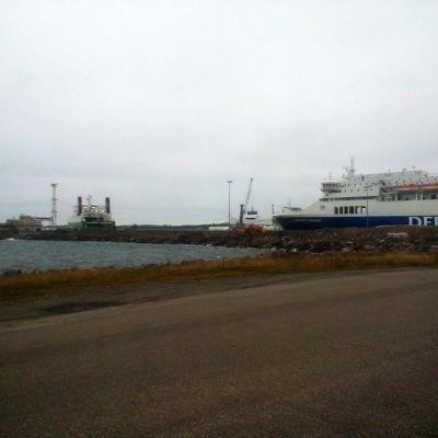 Arbeten i Västra hamnen i Hangö.