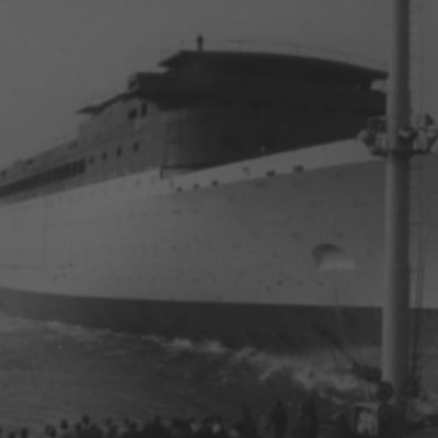 Laiva lasketaan vesille Vaasassa 1960-luku