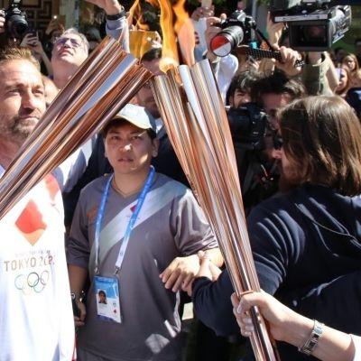 Hollywood-tähti Gerard Butler mainosti Tokion olympialaisia maaliskuussa ennen globaalin koronakriisin kärjistymistä. Tokion olympialaisten ympärille on luotu valtava hype, mutta itse kisoja saadaan odottaa ensi vuoteen.