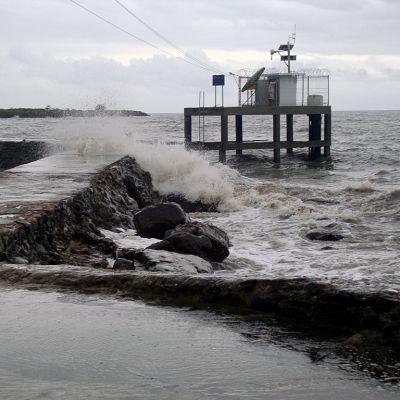 Mätstation i Thailand som övervakar förändringar i havsvattenståndet.