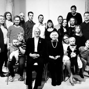 Pihla Meskasen perhekuva, vanhemmat ja sisarukset ja heidän lapsensa.