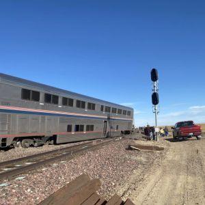 Ett tåg som har spårat ur i Montana, USA.