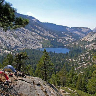 Näkymä Yosemiten kansallispuistoon.