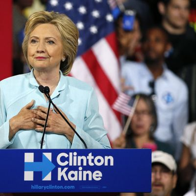 Hillary Clinton puhuu