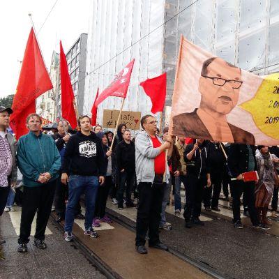 Joukkovoimaa-mielenosoitus.