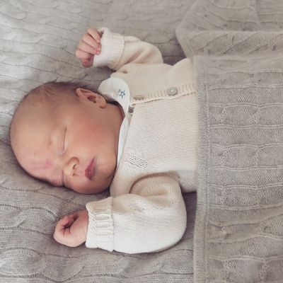 Pressbild på Sveriges nyfödda prins Gabriel.