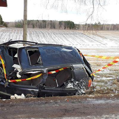 Auto-onnettomuus Nakkilassa.