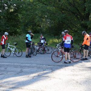 Tour de Östnylands cyklister i Isnäs, Lovisa.