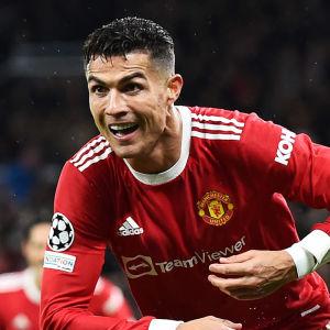 Cristiano Ronaldo firar mål.