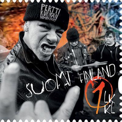Pertti Kurikan nimipäivät -yhtyettä esittävä postimerkki.