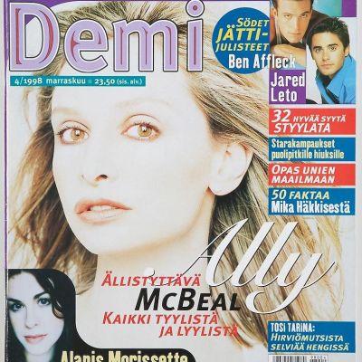 Demi-lehden kansikuva vuodelta 1998. Kannessa Calista Flockhart.